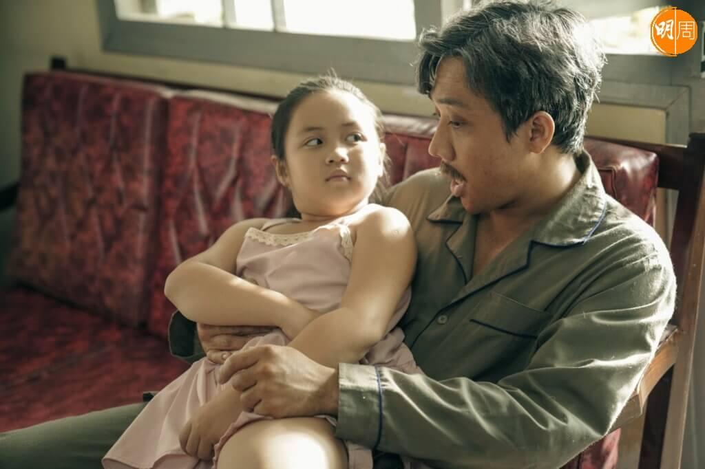 影片中段重要劇情是關於養女的身世,刻劃細緻。