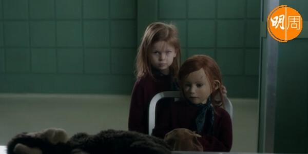 女主角安妮特大部分時間都是以人偶演出,令影片增添奇異氣氛。