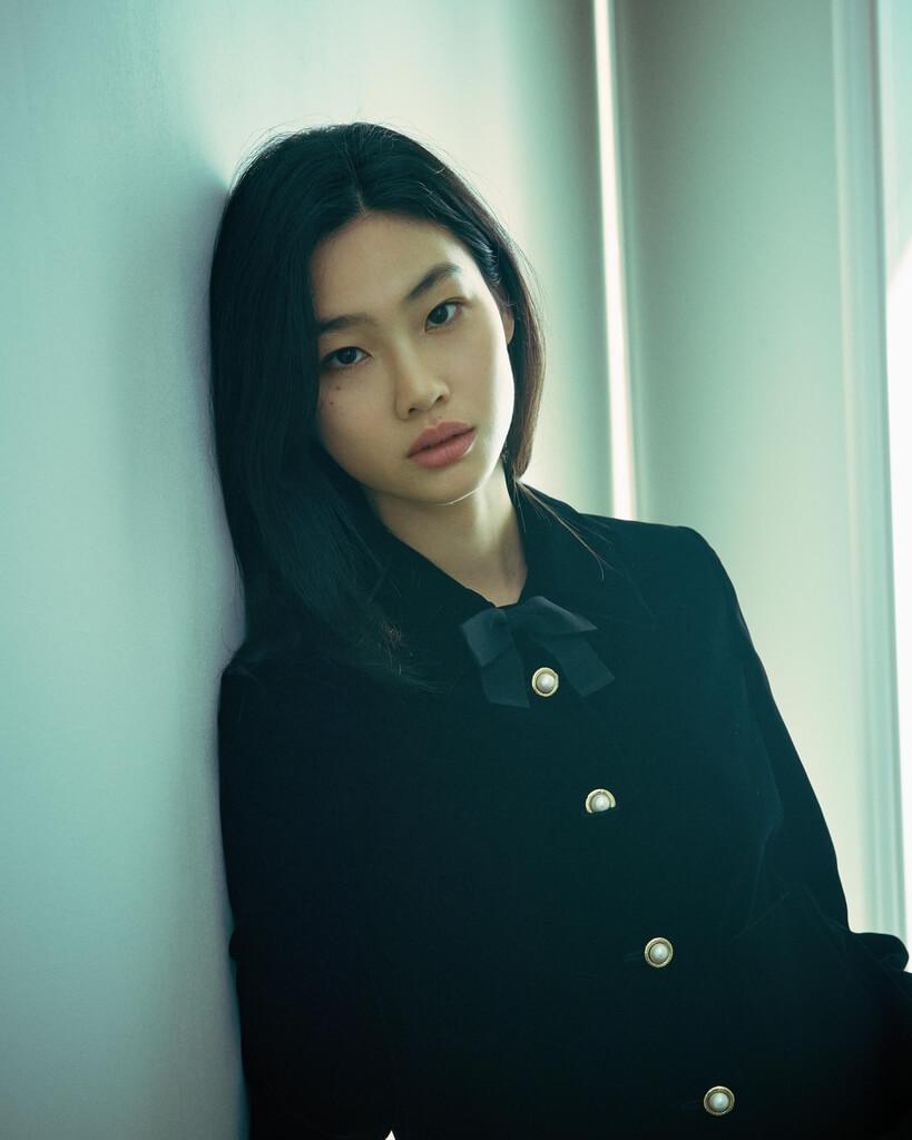 鄭浩妍天生高挑身材,入行前曾當模特兒。