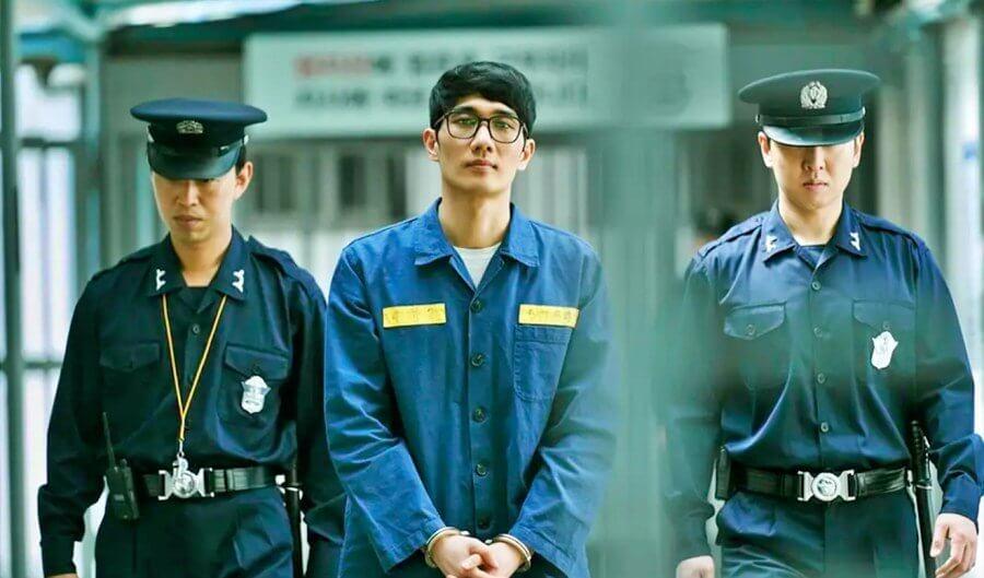 嚴泰九飾演放沙林毒氣的恐怖分子,雖然被囚禁,卻部署着另一宗陰謀。