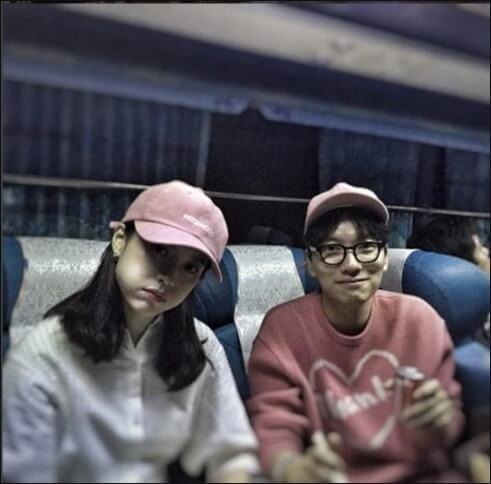 鄭浩妍與李東輝拍拖多年,她更說李東輝就像她爸爸一樣,十分可靠。