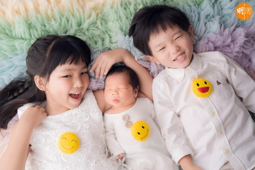 七歲的小豆和三歲的小花生做姊姊及哥哥了﹗