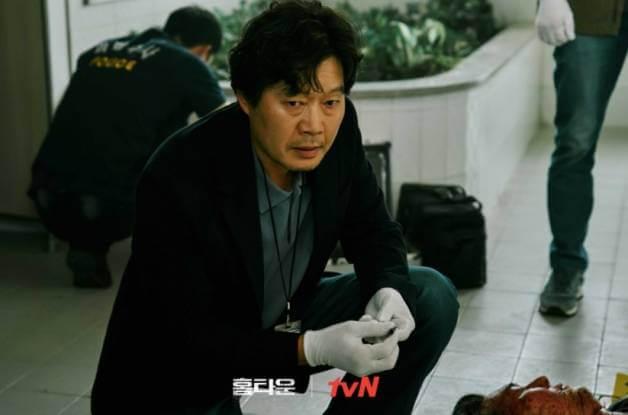 「整容級」演技的劉宰明飾演刑警