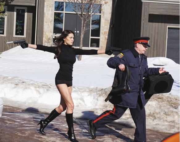 在荷李活電影《Stegman is dead》飾演打女,有型有格。