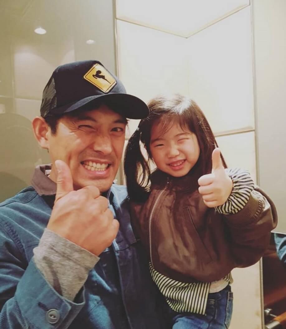 吳智昊和女兒合照