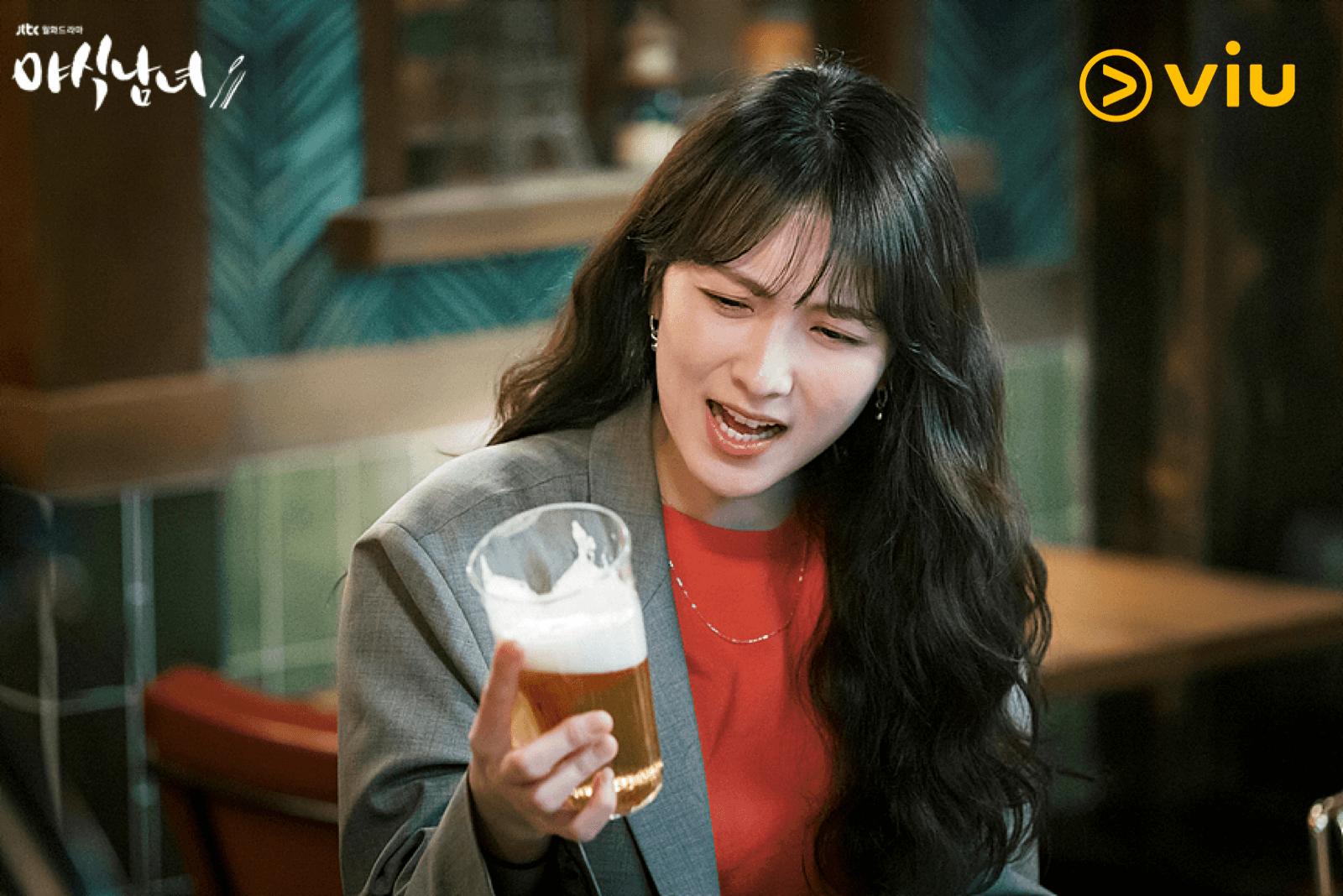 自退出KARA後,姜知英事隔五年再有新作品,她飾演電視台的製作人。