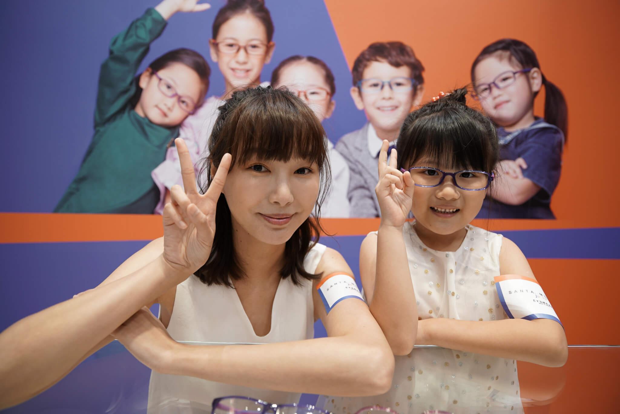 女兒開始復課,阿Yu每天湊完她們上學,就會在家拍片做網上的工作。