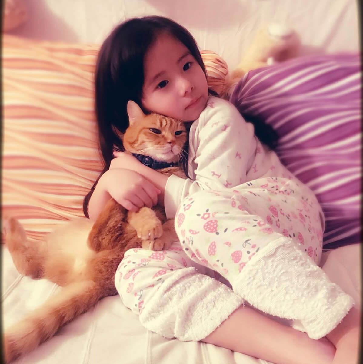 女兒Kylie亦很愛貓貓