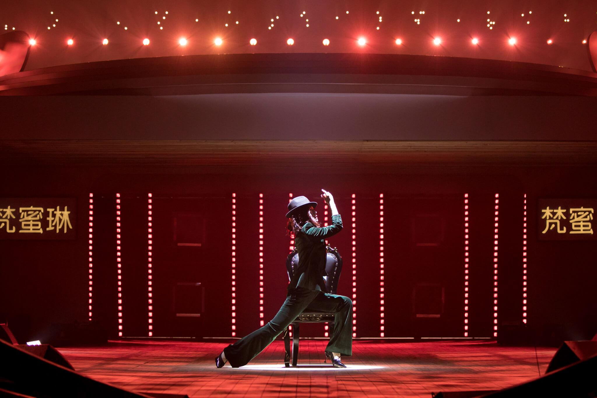 為了以最好狀態演出,松松事前已開始練歌。