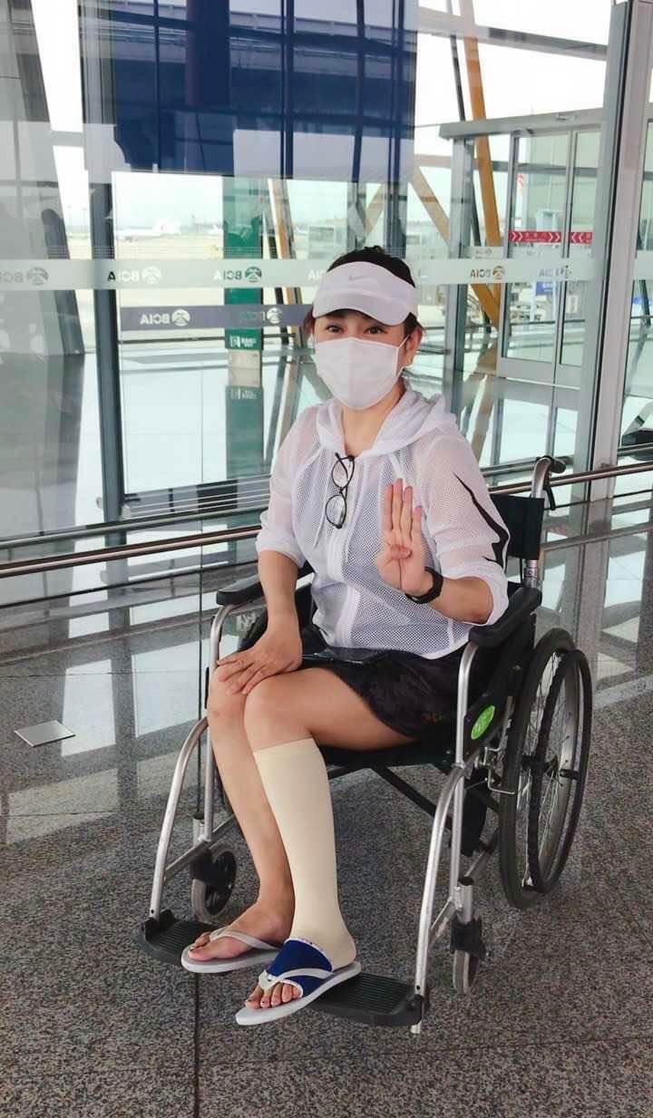 受傷後陳松伶繼續留在劇組拍攝,假期才返回北京養傷。