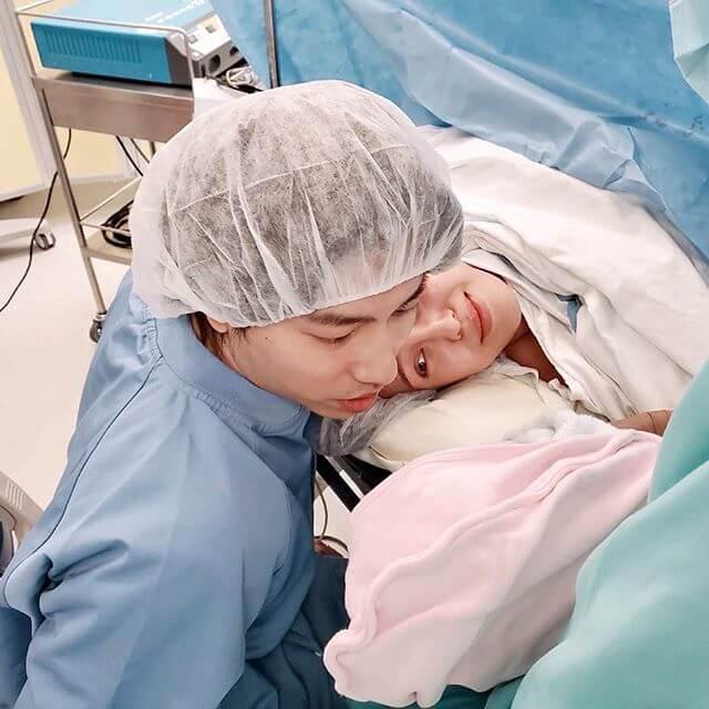 羅力威因為在產房太驚,沒有為女兒剪臍帶。