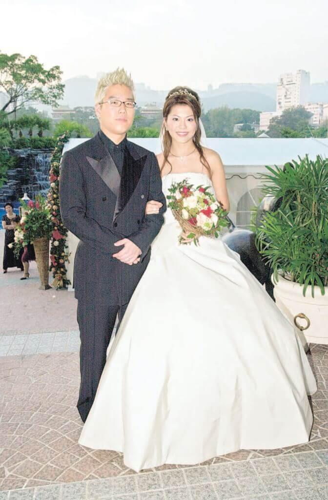 林曉峰與康子妮於2002年結婚