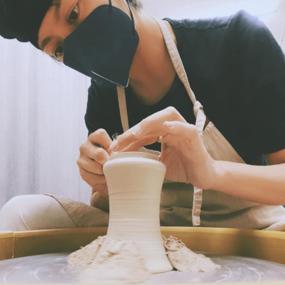 Gigi專心製作陶瓷