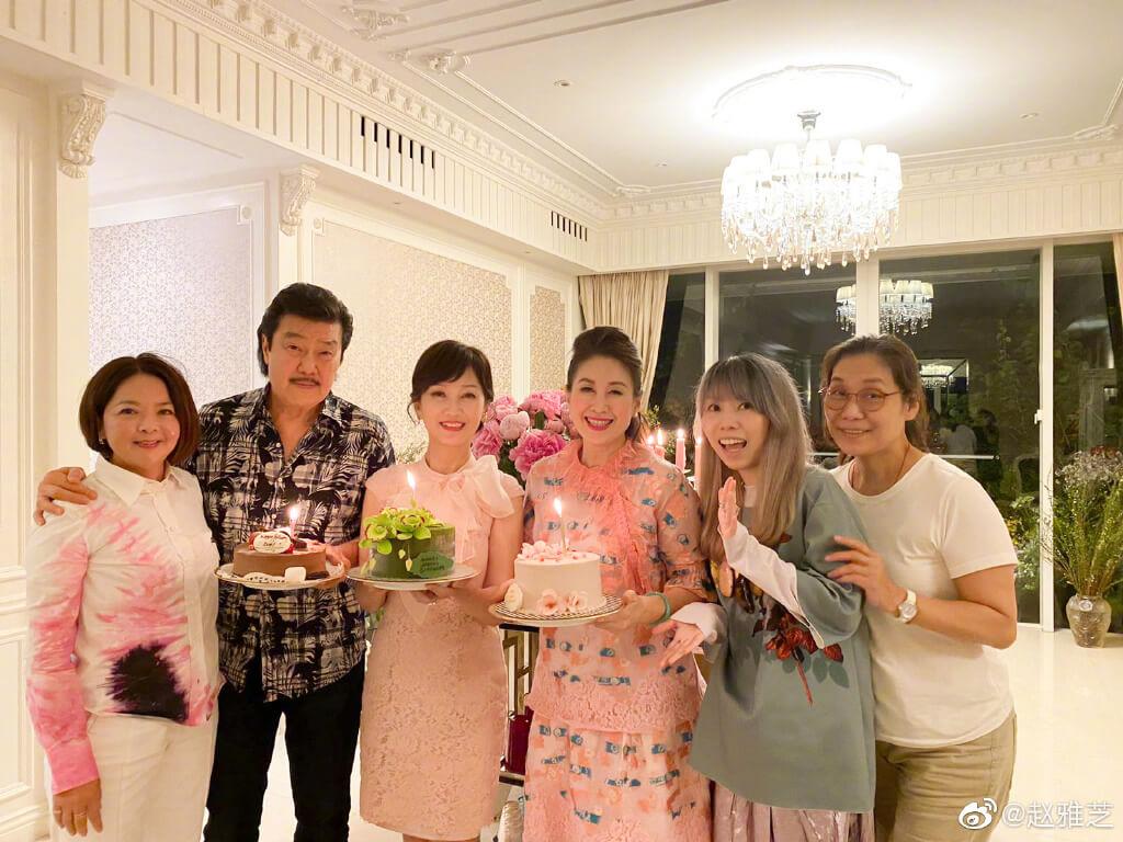 眾人為壽星準備了3個蛋糕