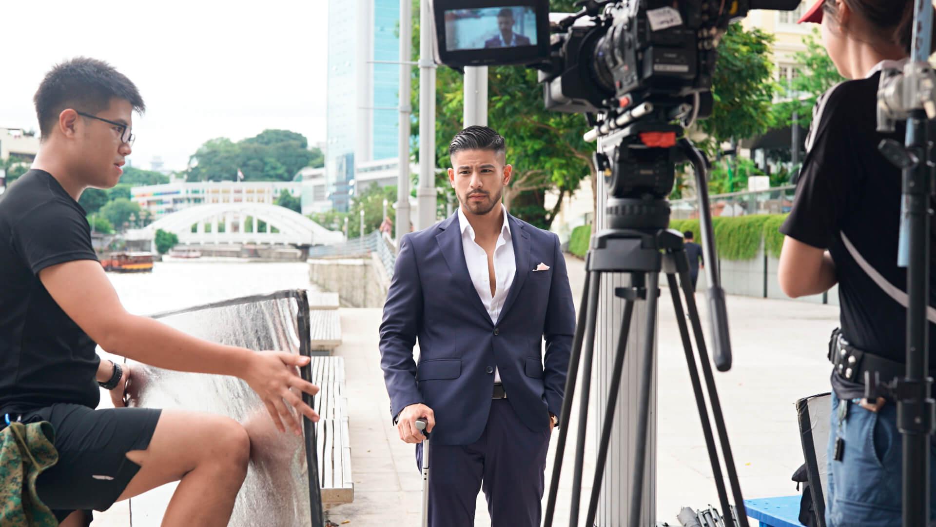 在新加坡短短一年,溫家偉已拍攝五套劇集,包括《Last Madame》、《Le Prawn Park》和《Adulting》等。