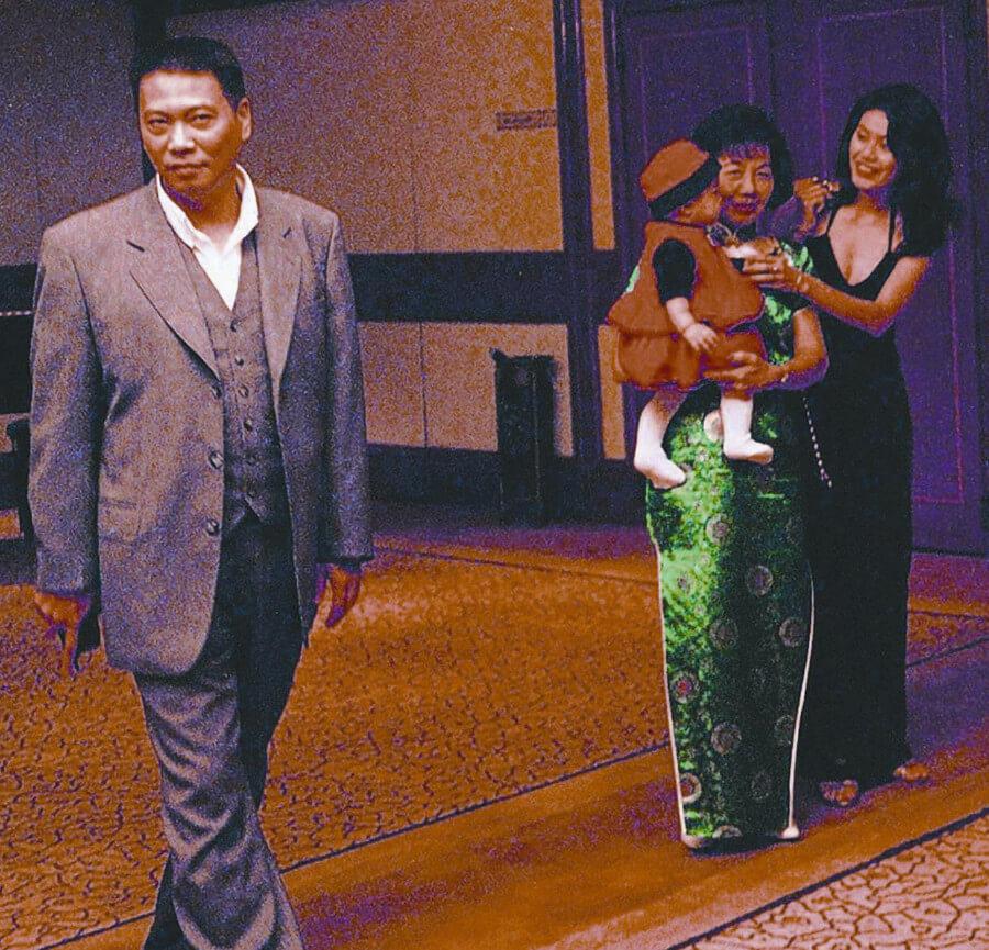 吳孟達太太侯珊燕甚少公開亮相,圖為一家三口出席侯家二姊的婚禮。