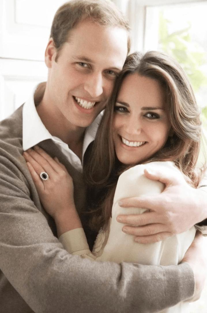 2010年王室公布二人婚訊時的官方照
