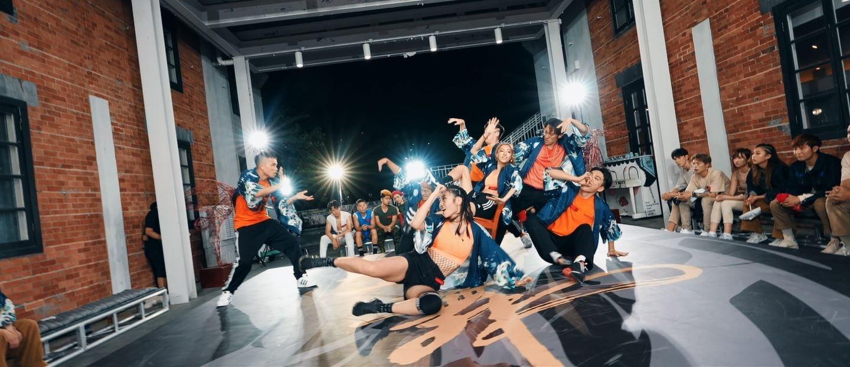 秋成隊第二輪齊舞表演主題為「皇者」。